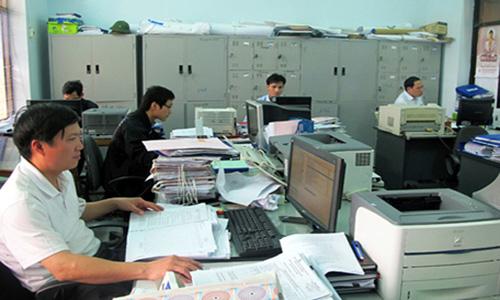 Cán bộ, công chức, viên chức; sĩ quan, quân nhân chuyên nghiệp, công nhân, viên chức quốc phòng, Công an nhân dân không được thành lập dịch vụ kế toán