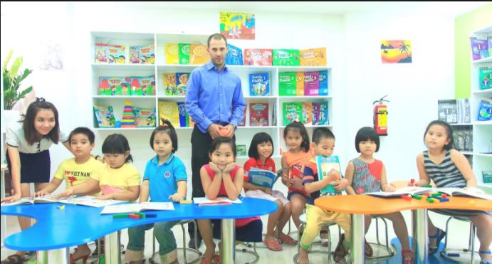 Giấy phép con của trung tâm đào tạo ngoại ngữ là không cần thiết