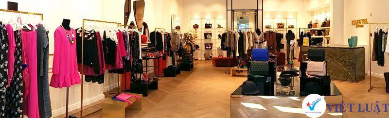 Mở cửa hàng mua bán quần áo năm 2020